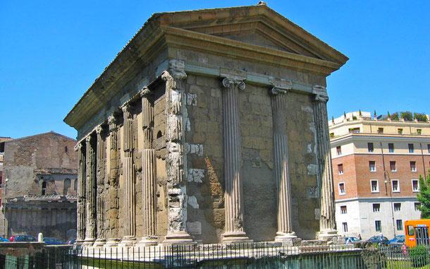 世界遺産「ローマ歴史地区、教皇領とサン・パオロ・フォーリ・レ・ムーラ大聖堂(イタリア/バチカン共通)」、フォロ・ロマーノのポルトゥヌス神殿