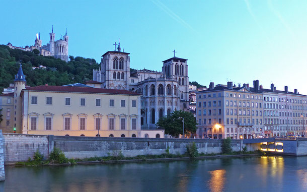 フランスの世界遺産「リヨン歴史地区」のサン・ジャン大聖堂とフルヴィエール大聖堂