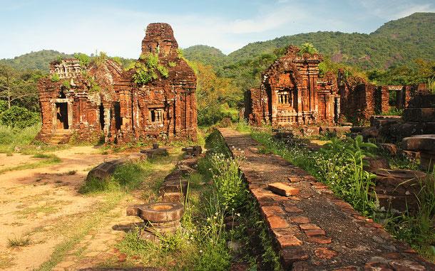 ベトナムの世界遺産「ミーソン聖域」のヒンドゥー教遺跡群