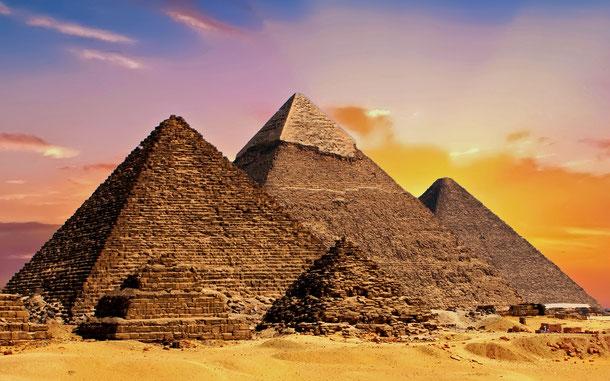 世界遺産「メンフィスとその墓地遺跡-ギザからダハシュールまでのピラミッド地帯(エジプト)」