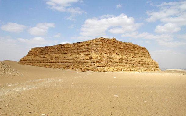 世界遺産「メンフィスとその墓地遺跡-ギザからダハシュールまでのピラミッド地帯(エジプト)」、シベスカフ王のマスタバ