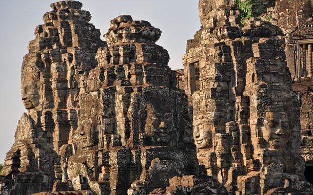 世界遺産「アンコール(カンボジア)」、バイヨン寺院の四面仏顔塔