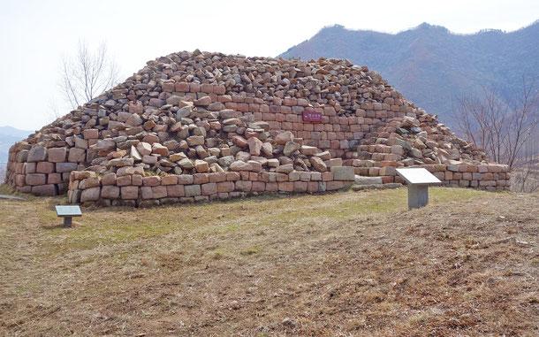 中国の世界遺産「古代高句麗王国の首都と古墳群」の丸都山城
