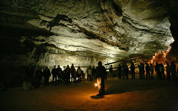 世界遺産「マンモス・ケーヴ国立公園」の洞窟ツアーの様子