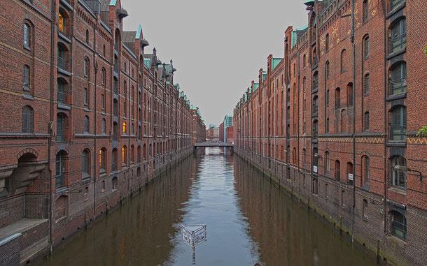 世界遺産「ハンブルクの倉庫街とチリハウスを含む商館街(ドイツ)」の倉庫群