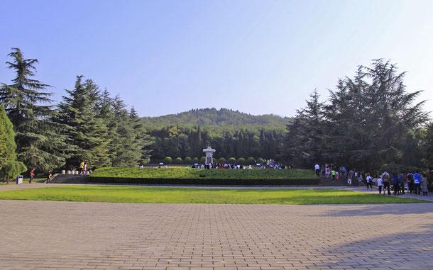 世界遺産「明・清朝の皇帝陵墓群(中国)」、秦始皇陵