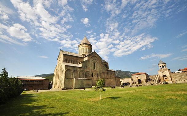 世界遺産「ムツヘタの文化財群」のスヴェスティツホヴェリ大聖堂