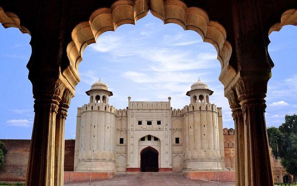 世界遺産「ラホールの城塞とシャーリマール庭園(パキスタン)」、ラホール城のアラムギーリー門
