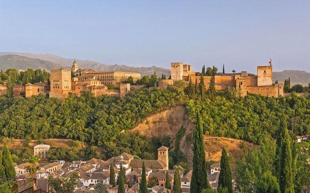 世界遺産「グラナダのアルハンブラ、ヘネラリーフェ、アルバイシン地区(スペイン)」、アルハンブラ宮殿