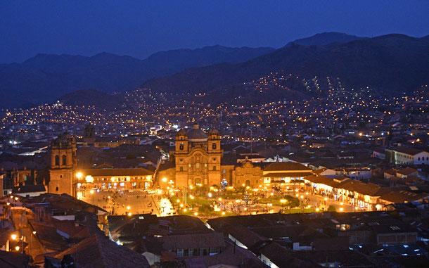 世界遺産「クスコ市街(ペルー)」、中央広場プラザ・デ・アルマス