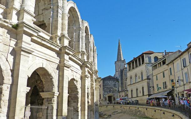 世界遺産「アルル、ローマ遺跡とロマネスク様式建造物群(フランス)」、アルルの街並み