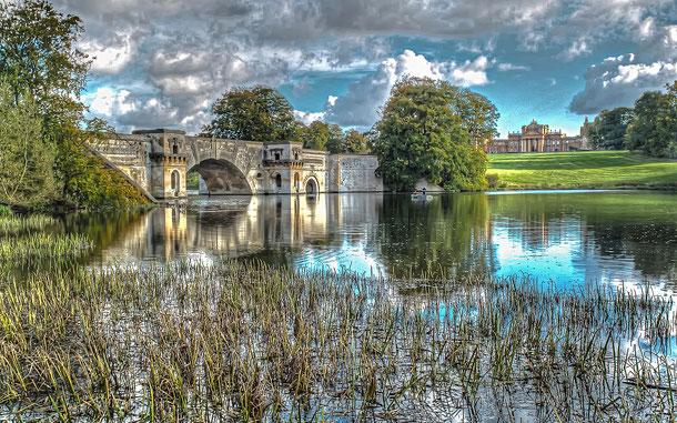 イギリスの世界遺産「ブレナム宮殿」、ブレナム公園のグランド・ブリッジ