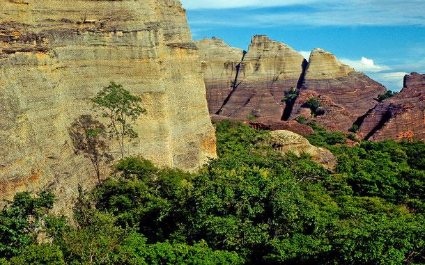 世界遺産「セラ・ダ・カピバラ国立公園(ブラジル)」、ペドラ・フラーダのペトログラフ