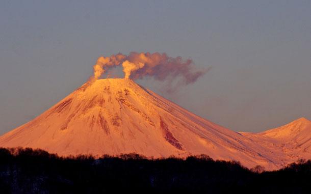 ロシアの世界遺産「カムチャツカ火山群」、アヴァチンスカヤ山