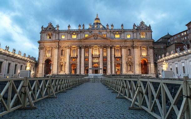 世界遺産「バチカン市国(バチカン)」のサン・ピエトロ大聖堂