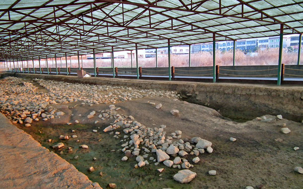 良渚文化の西城壁遺跡