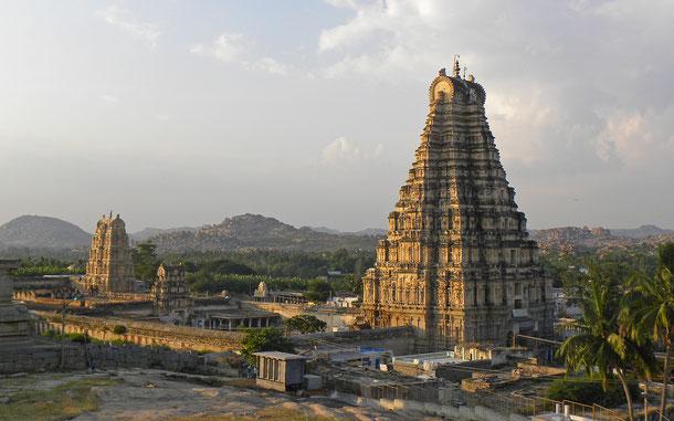 世界遺産「ハンピの建造物群(インド)」、ヴィルパークシャ寺院