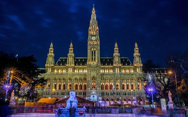 オーストリアの世界遺産「ウィーン歴史地区」のウィーン・ラートハウス(ウィーン市庁舎)