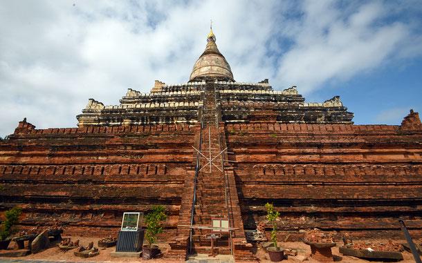 世界遺産「バガン(ミャンマー)」のシュエサンドー・パヤー