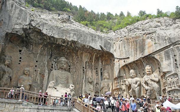世界遺産「龍門石窟(中国)」の奉先寺