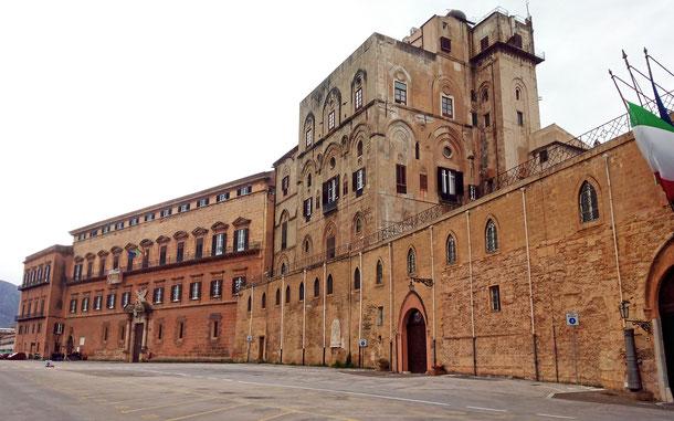 世界遺産「パレルモのアラブ=ノルマン様式の建造物群及びチェファルとモンレアーレの大聖堂(イタリア)」、パレルモの王宮(ノルマンニ宮殿)