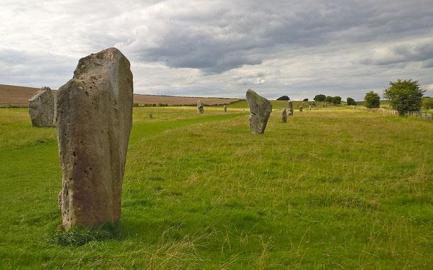 世界遺産「ストーン・ヘンジ、エーヴベリーと関連する遺跡群(イギリス)」、エーヴベリーのケネット・アベニュー