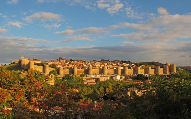 世界遺産「アビラの旧市街と城壁外の教会群(スペイン)」、城郭都市アビラ