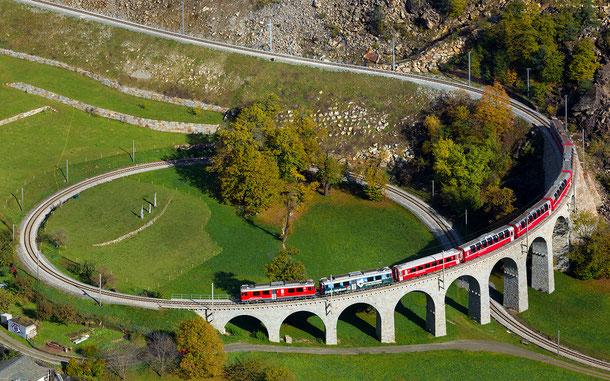 世界遺産「レーティシュ鉄道アルブラ線・ベルニナ線と周辺の景観(イタリア/スイス共通)」、ベルニナ線ブルージオのオープンループ橋