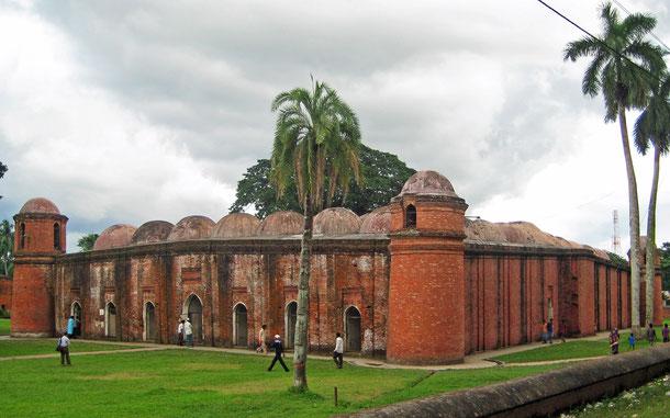 世界遺産「バゲルハットのモスク都市(バングラデシュ)」、シャット・ゴンブジ・モスク