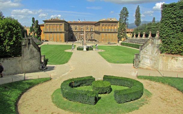 イタリアの世界遺産「フィレンツ歴史地区」と「トスカーナ地方のメディチ家の別荘と庭園群」、ピッティ宮殿のボーボリ庭園