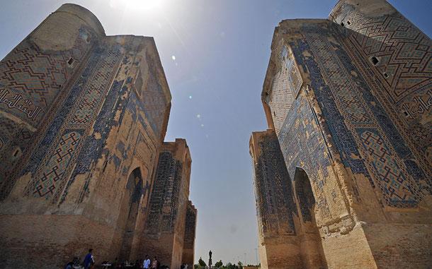 世界遺産「シャフリサブス歴史地区」のアク・サライ
