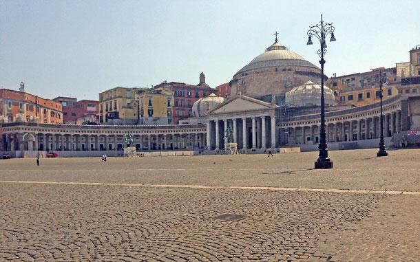世界遺産「ナポリ歴史地区」、サン・フランチェスコ・ディ・パオラ聖堂(王室バシリカ)