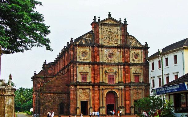 インドの世界遺産「ゴアの教会群と修道院群」、ボム・ジェス・バシリカ