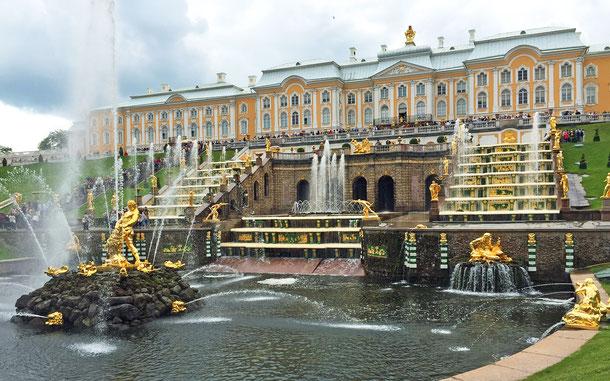 世界遺産「サンクトペテルブルク歴史地区と関連建造物群(ロシア)」、夏の離宮ペテルゴフ