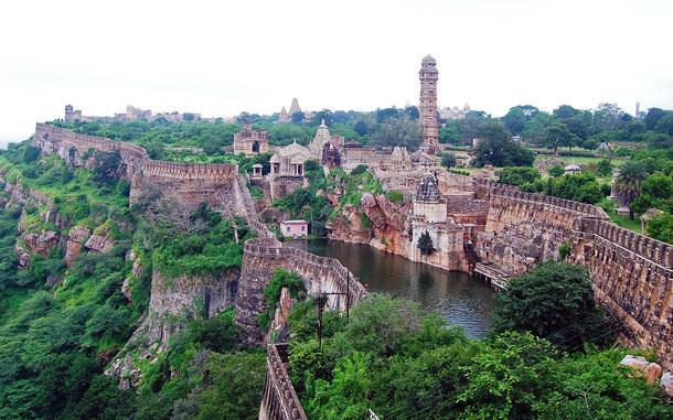 世界遺産「ラジャスタンの丘陵要塞群(インド)」、チットールガル城のヴィジャイ・スタンバ