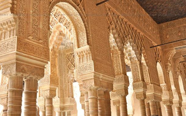 ナスル朝宮殿のライオンの中庭