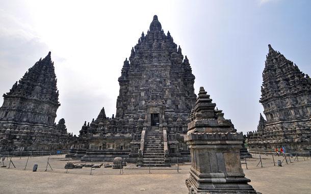 インドネシアの世界遺産「プランバナン寺院遺跡群」のロロ・ジョングラン