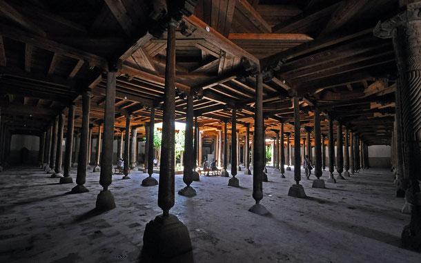 世界遺産「イチャン・カラ(ウズベキスタン)」、ジュマ・モスク
