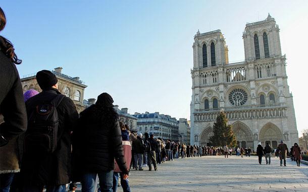 世界遺産「パリのセーヌ河岸(フランス)」のノートル・ダム大聖堂
