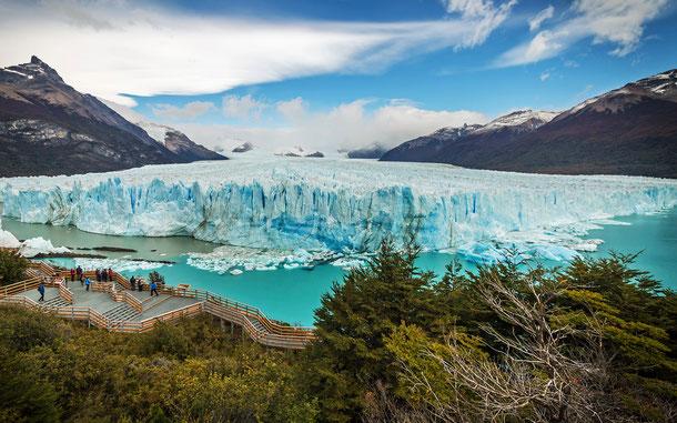 アルゼンチンの世界遺産「ロス・グラシアレス国立公園」のペリト・モレノ氷河