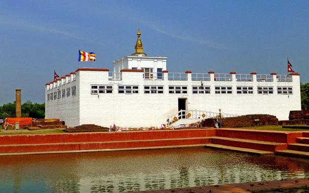 世界遺産「仏陀の生誕地ルンビニ(ネパール)」、マーヤーデヴィ寺院