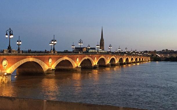 世界遺産「ボルドー、リューヌ港(フランス)」、ピエール橋とサン・ミシェル大聖堂