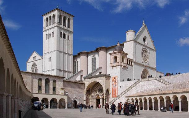 イタリアの世界遺産「アッシジ、聖フランチェスコ聖堂と関連遺跡群」、聖フランチェスコ聖堂