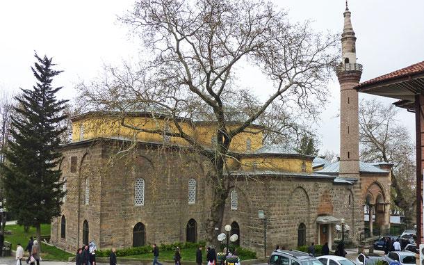 世界遺産「ブルサとジュマルクズック:オスマン帝国発祥の地」、オルハン・ガーズィー・キュリーエのオルハン・ガーズィー・モスク