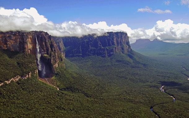 世界遺産「カナイマ国立公園(ベネズエラ)」、アウヤンテプイとエンジェル・フォール
