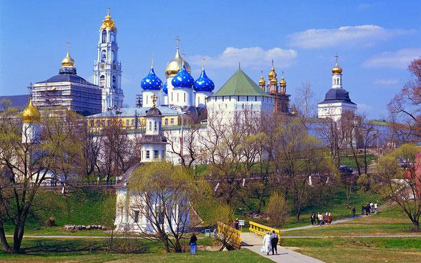 世界遺産「セルギエフ・ポサドのトロイツェ・セルギー大修道院の建造物群(ロシア)」。虐