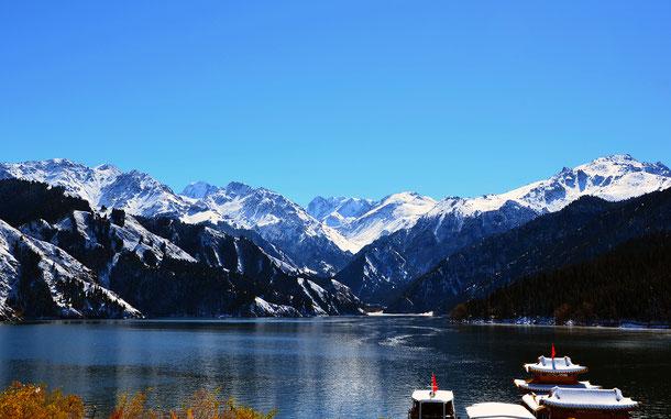 中国の世界遺産「新疆・天山」に登録されている「神の山」ボグダ山麓