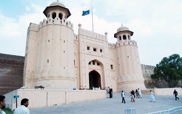世界遺産「ラホールの城塞とシャーリマール庭園(パキスタン)」、ラホール城のアーラムギーリー門