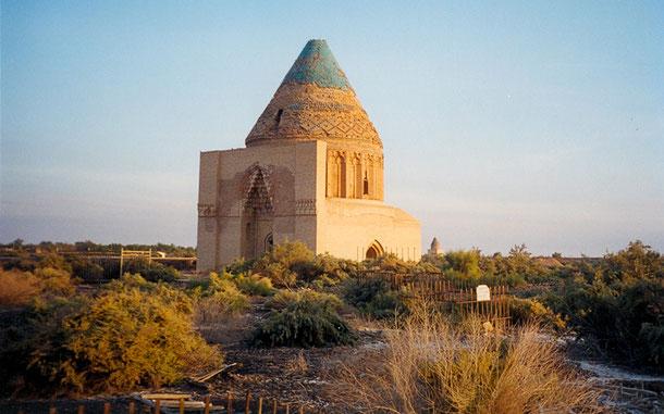 世界遺産「クニヤ・ウルゲンチ(トルクメニスタン)」、スルタン・テケシュ廟