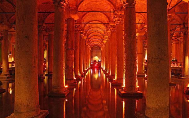 世界遺産「イスタンブール歴史地域(トルコ)」、地下宮殿